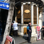 Kebabs al lado del gran Bazar